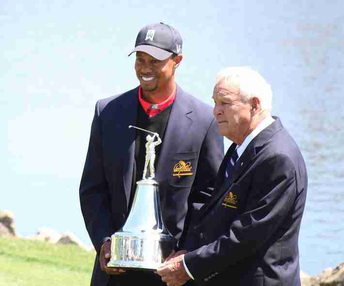 Tiger Woods reclaims No.1 position