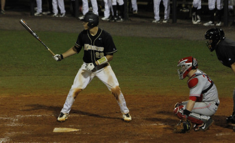 UCF nearly sweeps series against #9 Louisville, lose finale 3-2