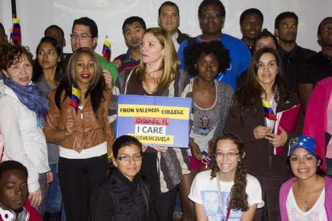 Venezuelans at Valencia rally to support homeland with SOS program