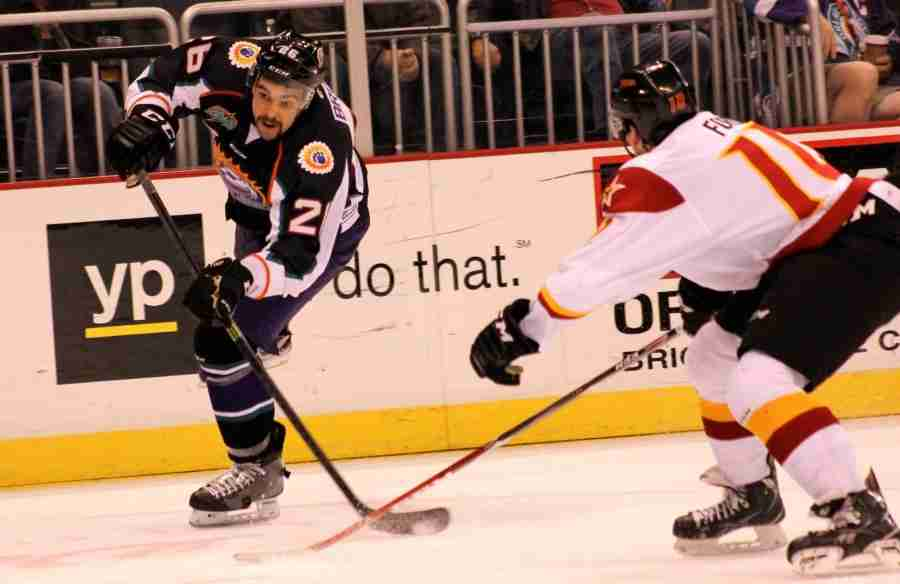 Solar Bears score 7 goals in blowout of Indy Fuel