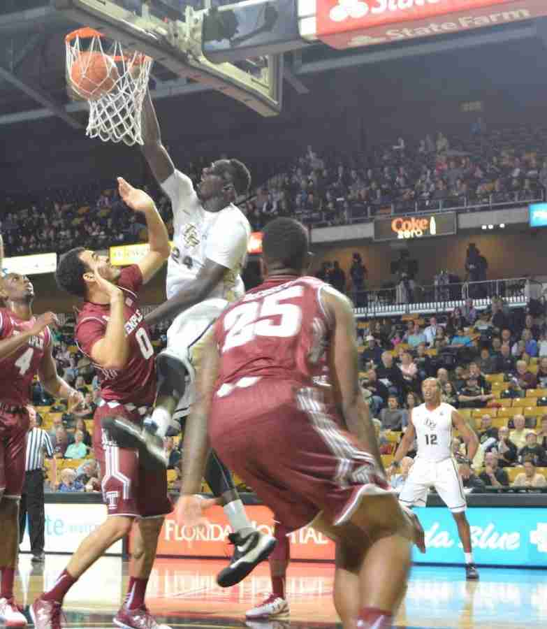 UCF Knights late at the buzzer against Temple
