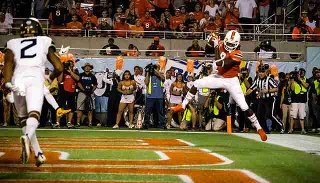 Malcolm+Lewis+caught+one+of+Brad+Kaaya%27s+four+touchdown+passes+in+the+2016+Russell+Athletic+Bowl.