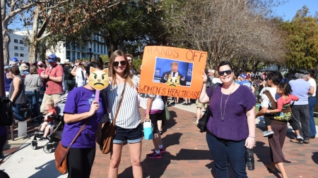 Marchers Take Over Lake Eola in Orlando
