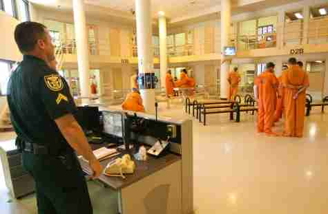 Valencia College Literacy Project Donates Thousands of Books to Orange County Jail Inmates
