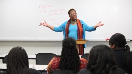 Senator speaks at campus event