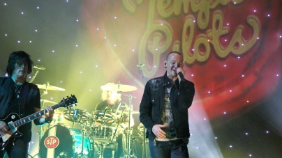 Stone Temple Pilots revamp with Chester Bennington