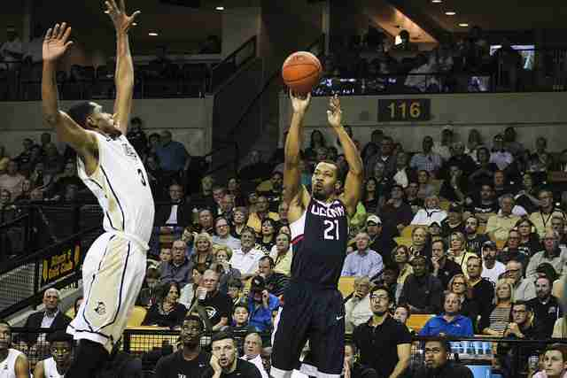 PHOTO GALLERY — UCF Basketball vs. UConn