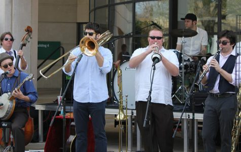 Valencia house bands to perform throwback tunes