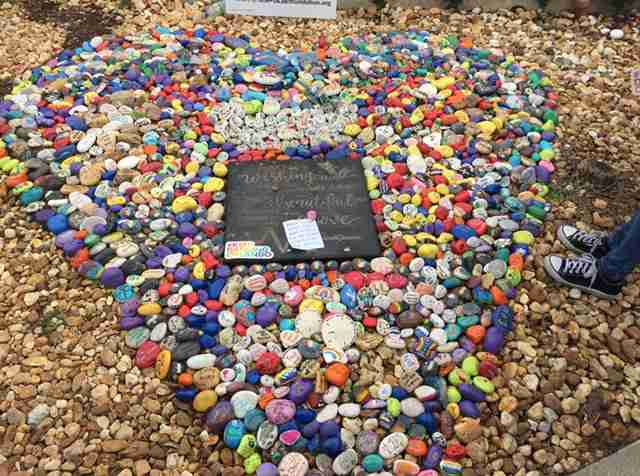 Rock+sculpture+honors+the+memories+of+the+%2349+who+lost+their+lives+one+year+ago.